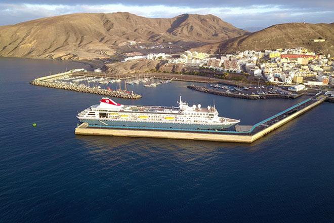 Resultado de imagen de Obras Públicas destina 100.000 euros a las obras de mejora del terminal de pasajeros en el puerto de Gran Tarajal